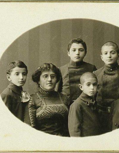 1909 Group Photo